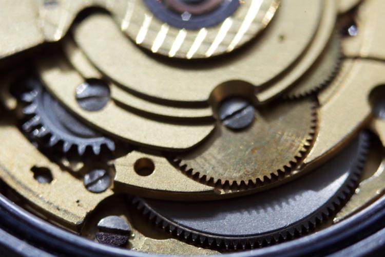 Comment maintenir en bon état sa montre automatique avec tête de mort - 2