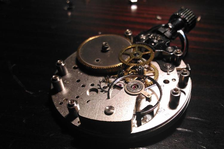 Comment maintenir en bon état sa montre automatique avec tête de mort - 1