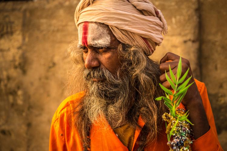 Les Aghoris, la secte cannibale indienne qui boit dans des crânes humains - 1