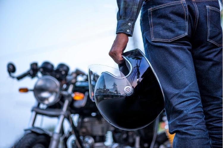 Que signifient les têtes de mort que portent les bikers - 1