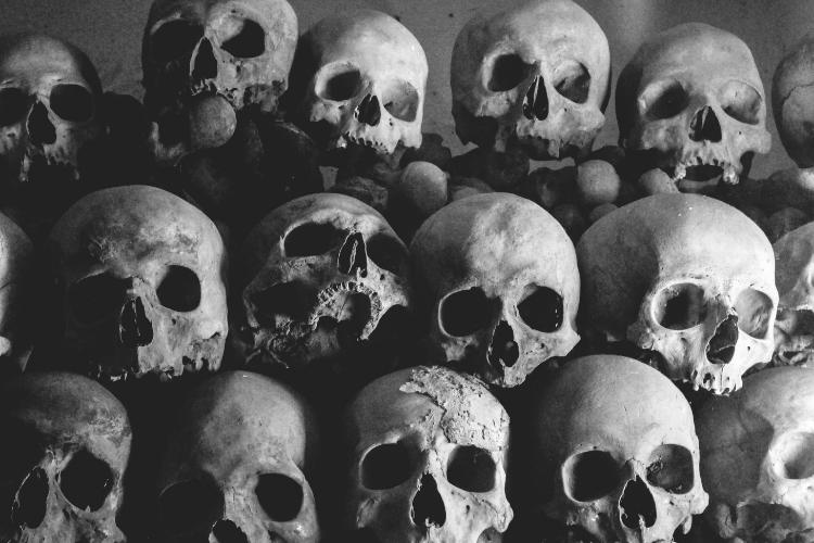 Trépanation : Pourquoi retrouve-t-on des trous dans les têtes de mort - 1